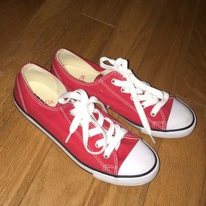 Woman's Red Converse